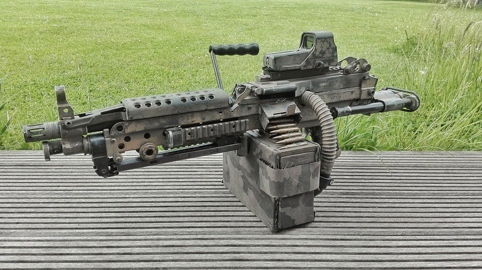Mitrailleuse lourde FN M249 custom paintball